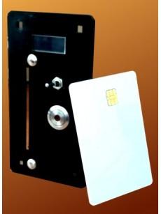 Καρτοδέκτης με επαναγεμιζόμενη κάρτα